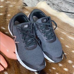 New Balance 711 Comfort Pillow Tennis Shoes Sz 9